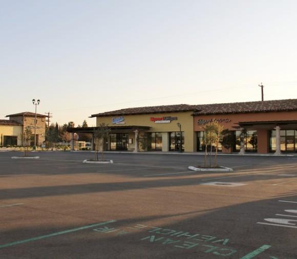 Grand Island Retail Shops Bakersfield CA