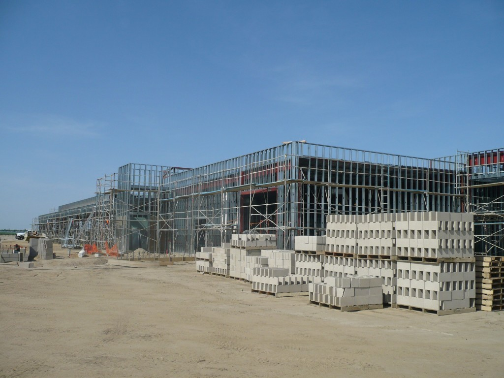 The exterior framing was 6″ 18 ga. structural 1 5/8″ C-studs